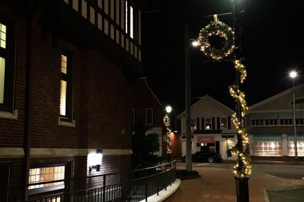 Downtown Westport (CT) decorated for the holidays, Nov. 8, 2020. By Jaime Bairaktaris