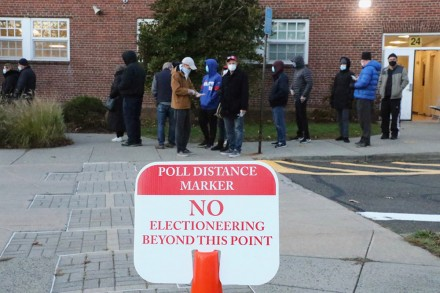 Lines at Saugatuck Elementary, Nov. 3, 2020, by Dave Matlow