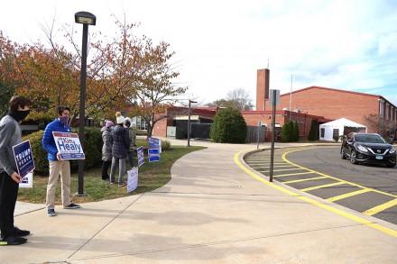 A lull in voting at Long Lots Elementary in Westport, CT, Nov. 3, 2020, by Jarret Liotta