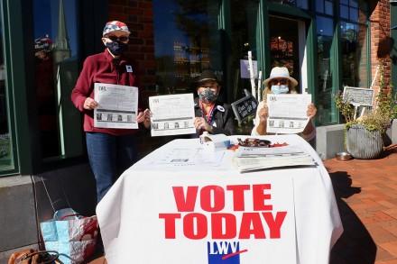 Westport League of Women Voters encourage voter registration