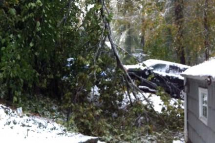 Car escapes on Leslie Lane